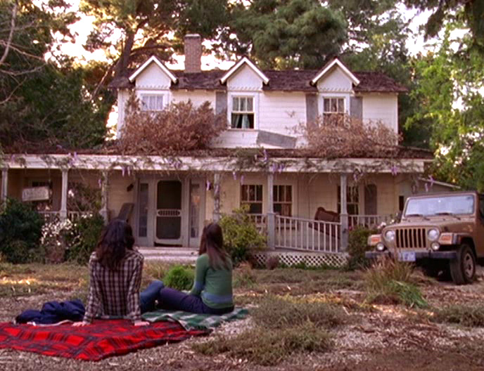 The Mk II house as it first appears in 2001 on The Gilmore Girls