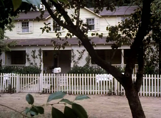 The original house as it appears in The Dukes of Hazzard in 1985
